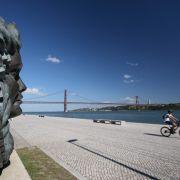 In Lissabon kann man nicht nur am Fluß Tejo herrlich flanieren.