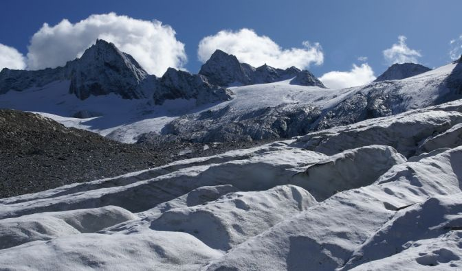 In den Ötztaler Alpen stürzte ein Mann in eine Gletscherspalte. (Foto)
