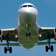 Flugzeug mit 141 Passagierengeht in Flammen auf (Foto)