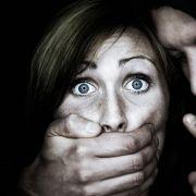 In Rosenheim wurde eine 21-jährige brutal vergewaltigt. (Symbolbild) (Foto)