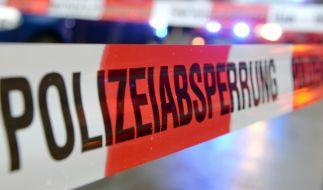 In einem Schwimmbad in NRW wurden ein Jugendlicher und zwei Kinder tot aufgefunden. (Foto)