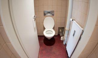 In einem Supermarkt lag eine Frau drei Tage tot auf der Toilette. (Symbolbild) (Foto)