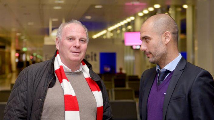 In einem freundschaftlichen Treffen mit Pep Guardiola soll Uli Hoeneß bereits den Namen des neuen Trainers offenbart haben. (Foto)