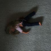 150-Kilo-Frau setzt sich auf Kind (9) und zerquetscht es (Foto)
