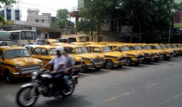 Inder rüpeln rüde im Verkehr. Deshalb werden sie jetzt gemaßregelt. (Foto)