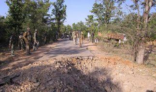 Indische Maoisten entführen erstmals Touristen (Foto)