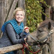 Inka Bause sucht die große Liebe auf dem Ponyhof (Foto)