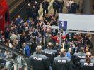 Innenminister: DFL soll mehr für Sicherheit zahlen (Foto)