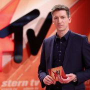 """Interessante Studiogäste, bewegende Geschichten und spannende Hintergrundreportagen bietet Moderator Steffen Hallaschka am Mittwochabend bei """"stern TV"""". (Foto)"""