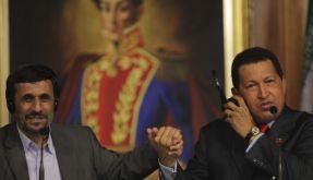 Irans Präsident Ahmadinedschad rückt näher an Venezuelas Präsidenten Chávez. (Foto)