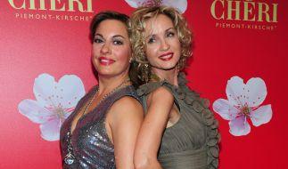 Isabella Hübner (rechts) mit Schauspielkollegin Julia Dahmen. (Foto)