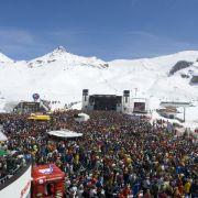 Ischgl in Tirol bietet Wintersportfans die richtige Mischung aus Pistenspaß und Party.