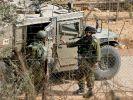 Israelische Soldaten bei einer Patrouille an der Grenze zum Libanon. (Foto)