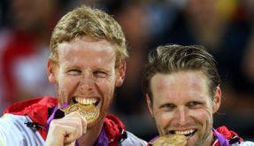 Ist Gold auch Geld wert? Für Julius Brink (rechts) und Jonas Reckermann könnte sich der Olympiasieg auszahlen. (Foto)