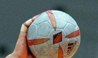 Ja, richtig Handball gespielt wird auch noch. Ohne Bestechung?  (Foto)