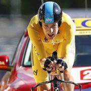 Jetzt in Gelb, früher dagegen ständig Blau: Bradley Wiggins zeigt, wie man sich ins Leben zurückfährt.