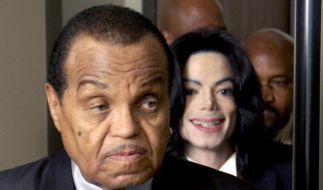 Joe Jackson will die Erziehung seiner Enkelkinder seiner Frau Katherine Jackson überlassen. (Foto)
