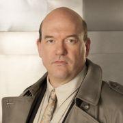 Kriminalpolizist Bud (John Carroll Lynch) ist genervt von Megans vorwitziger Art. Er wird sich an sie gewöhnen müssen.