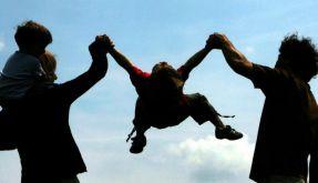 Jugendforscher will Erziehungskurse für Eltern (Foto)