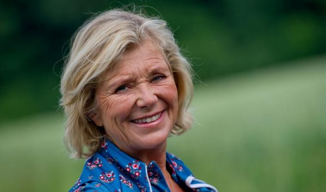 Jutta Speidel: Habe mir die Ohren anlegen lassen (Foto)