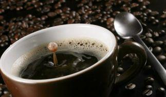 Kaffee aus manchem Vollautomaten kann Schimmel enthalten. (Foto)