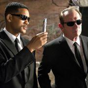 Zum dritten Mal werfen Will Smith und Tommy Lee Jones sich nun in die schwarzen Anzüge und kämpfen gegen wenig freundliche Außerirdische.