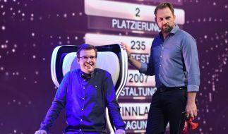 Kandidat Michal Perlinski und Steven Gätjen. (Foto)