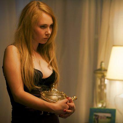 Kann der magische Teekessel dem chronisch pleiten Pärchen helfen? (Foto)