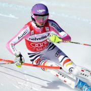 Kann gegen die US-Amerikanerin Lindsay Vonn nicht bestehen: Maria Höfl-Riesch.