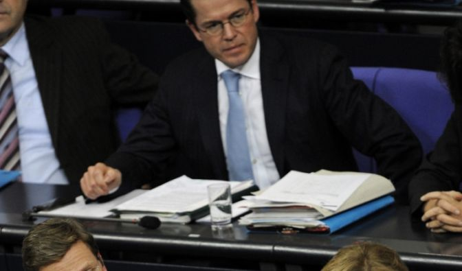Kanzlerin, Außen- und Verteidigungsminister (Foto)