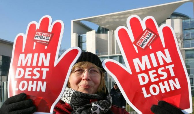 Kanzlerin bekennt sich zu Mindestlohn-Plänen (Foto)