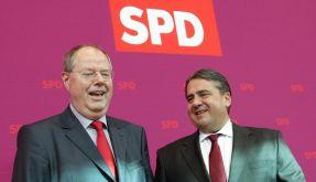 Kanzlerkandidat Peer Steinbrück und SPD-Chef Sigmar Gabriel freuen sich. (Foto)