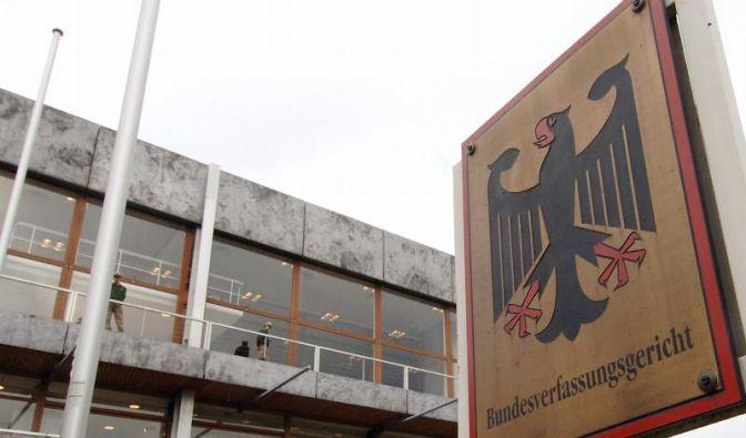 Karlsruhe prüft Euro-Gesetze - Mahnungen an Richter (Foto)