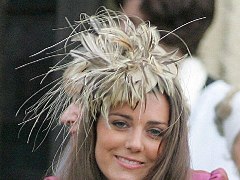 ... mit William: Ein grünes Hochzeitskleid für Kate Middleton?  news.de