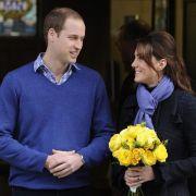 Kate verließ das King Edward VII. Hospital im Zentrum Londons zusammen mit William. und einem Blumenstrauß.