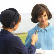 Katie Holmes spielt in Die Kennedys die Rolle der Jackie Kennedy.