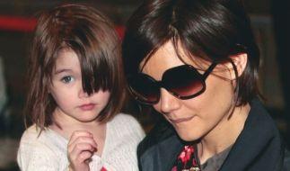 Katie Holmes habe die Scheidung in New York eingereicht, wo sie mit Tom Cruise eine Wohnung besitzt. Dort seien die Chancen auf das alleinige Sorgerecht größer als in Kalifornien. (Foto)