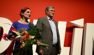 Katja Kipping und Bernd Riexinger wollen die Grabenkämpfe innerhalb der Partei Die Linke beilegen. (Foto)
