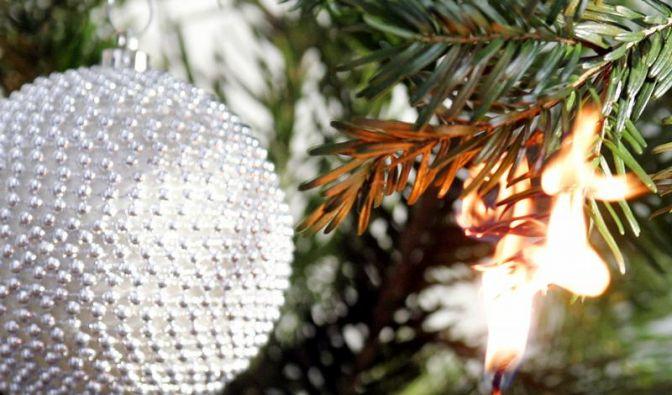 Kerzen am Baum - So platziert man sie richtig (Foto)