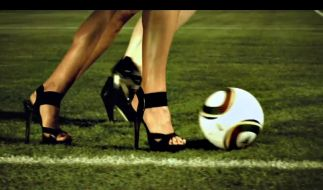 Kicken in High Heels (Foto)