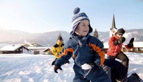 Kinder im Schnee (Foto)