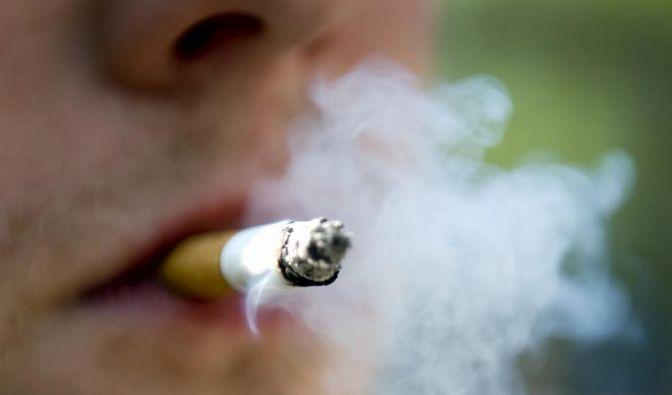 Kinder mit Negativbeispielen über Rauchen aufklären (Foto)
