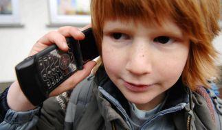Kinder und Handys (Foto)
