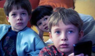 Kinder vorm Fernseher (Foto)