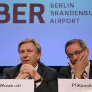 Klaus Wowereit und Matthias Platzeck drohen strafrechtliche Konsequenzen. (Foto)