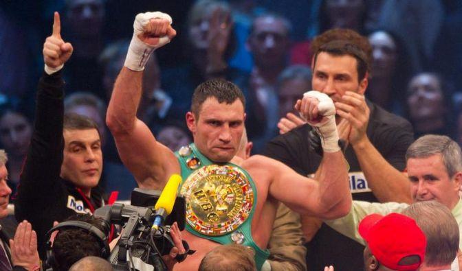 Klitschko an Schulter verletzt - Skandal um Chisora (Foto)