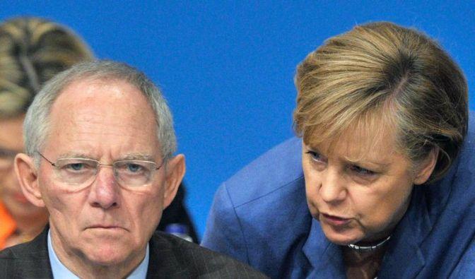 Koalition unter Druck - Schäuble droht Griechen (Foto)