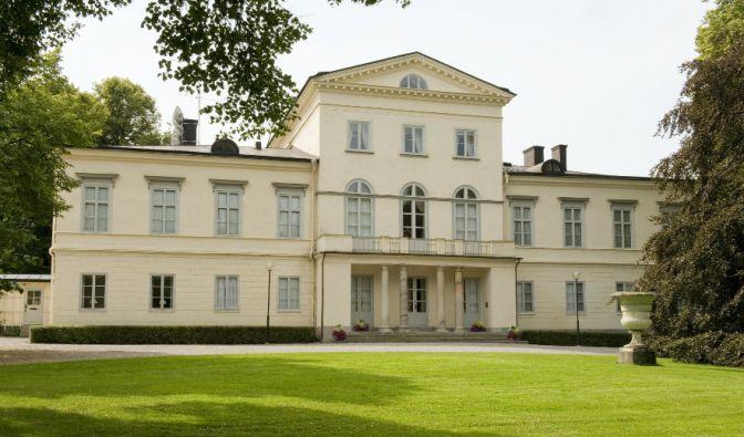 König Carl Gustav und seine vier Schwestern wurden auf Schloss Haga geboren. Seit 2010 ist das im 19. Jahrhundert erbaute Anwesen der Wohnsitz von Kronprinzessin Victoria und ihrer kleinen Familie. (Foto)