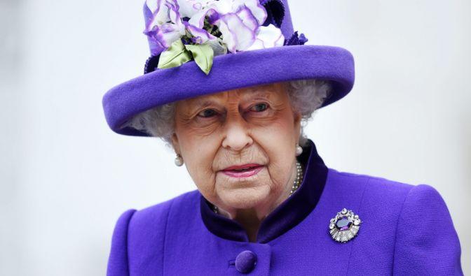 Königin Elisabeth II. wurde beim Lunch von einem völlig Fremden überrascht. (Foto)