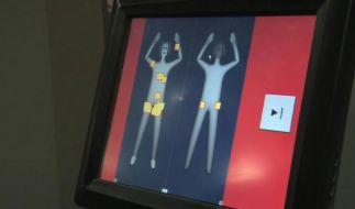 Körperscanner am Amsterdamer Flughafen (Foto)